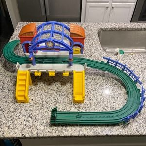 Geotrax Grand Central Station Building & Incine